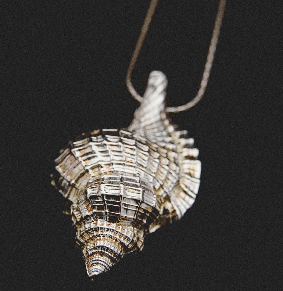 bespoke jewellery design shell in silver